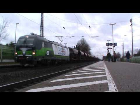 ELL (European Locomotive Leasing) Vectron (193 212) mit Schüttgutwagen