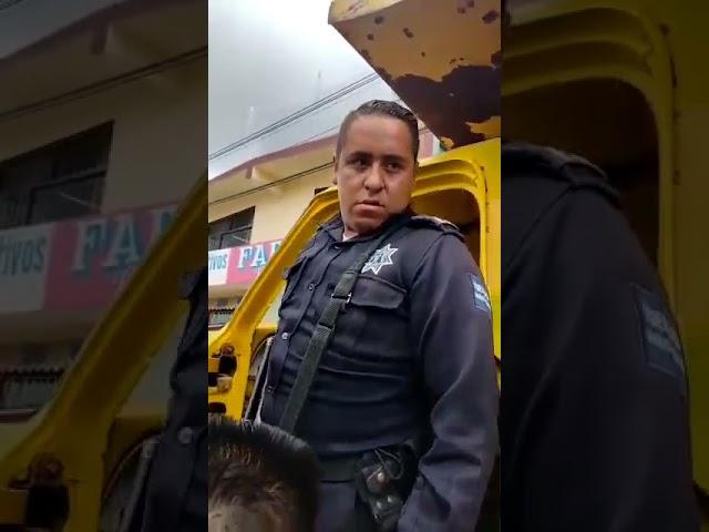 POLICÍAS DE TEZONTEPEC RECUPERAN CAMIÓN DE VOLTEO CON REPORTE DE ROBO