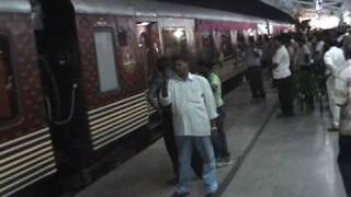 MAHARAJA EXPRESS - THE MOST LUXURIOUS TRAIN OF INDIA