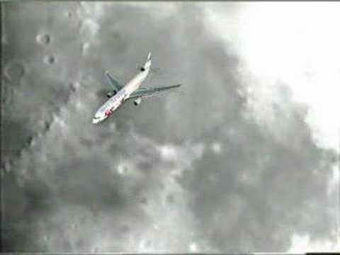 Plane Fly-by the Moon (telehappy view)