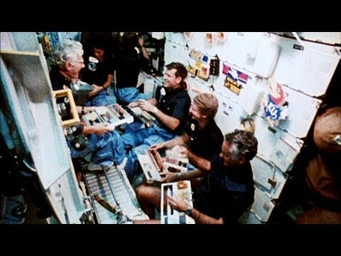 What Everyday Life is Like for an Astronaut - YouTube