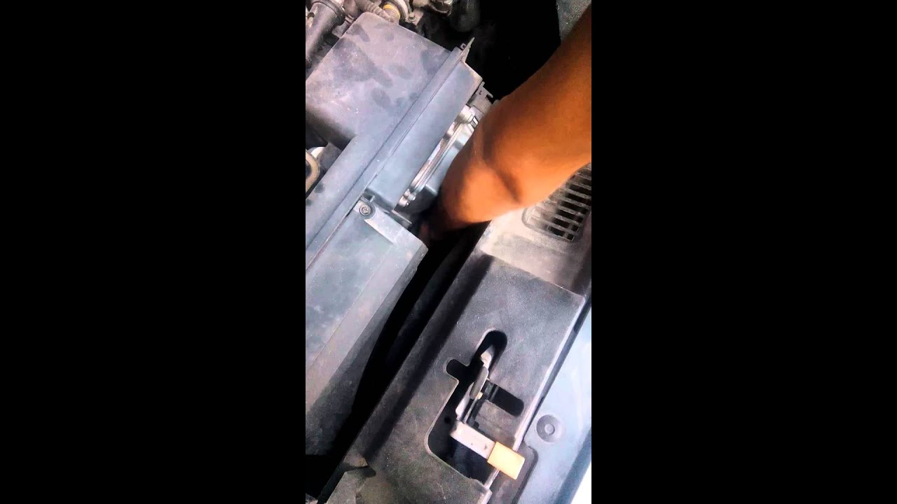 2006 Volvo S40 transmission fluid check T5 engine