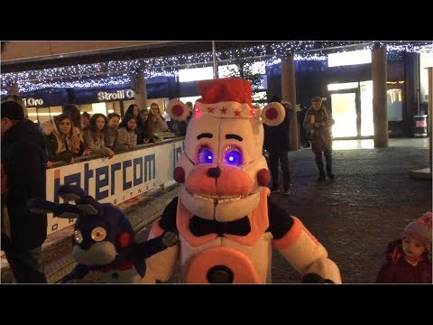 Funtime Freddy ruins Christmas