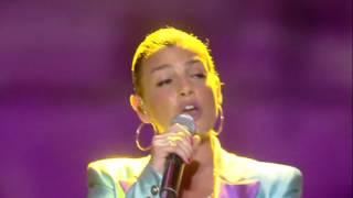 Download Alvaro Soler - Libre ft. Emma (CocaCola Summer Festival) Mp3 and Videos