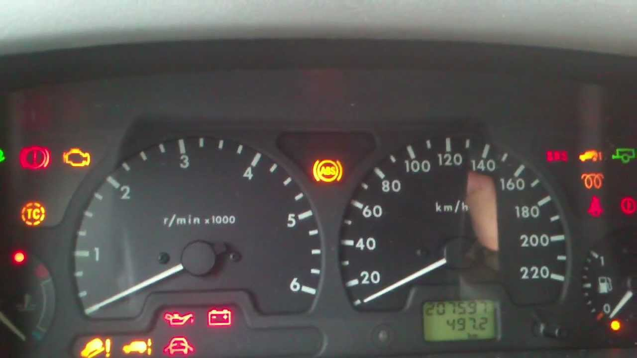land rover discovery 2 warning lights