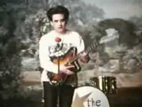 The Cure - Friday I´m in Love *Official Video*