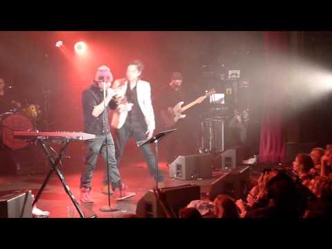Benjamin Biolay et Orelsan - Ne regrette rien - Live La Cigale 2012
