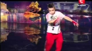 Виталий Тищенко Hip-Hop - Украина мае талант 4(Хороший танец в стиле Hip-Hop на шоу Украина имеет талант 4., 2012-03-11T11:10:37.000Z)