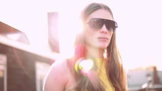 Topshop sunglasses, A&F top, Zara pants and heels Thumbnail