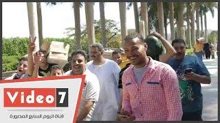 بالفيديو.. بصناديق الرنجة والبطيخ.. زوار حديقة الأزهر يحتفلون بشم النسيم