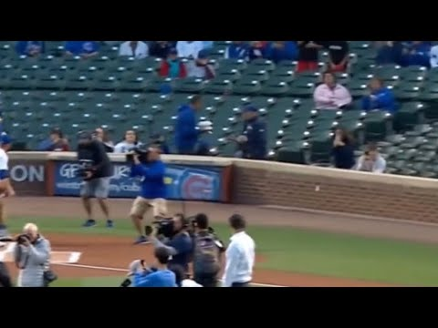 Conor McGregor throws terrible first pitch ahead of Chicago Cubs ...