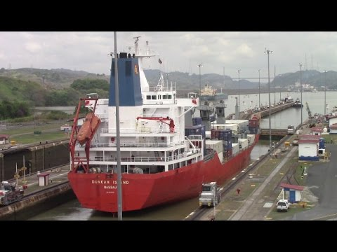 Feeder Container Ship DUNCAN ISLAND at the Miraflores Locks