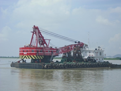 49.5m Grab Dredger Crane Barge Built Japan Rebuilt 2006 - USD 4,000,000