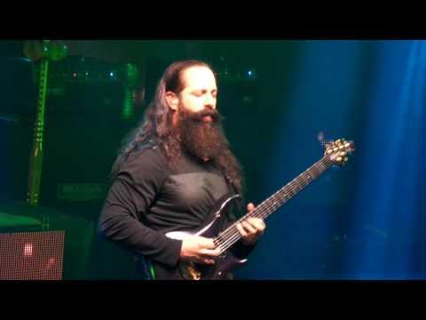 Dream Theater live in Chile 2016 - A new beginning (John Petrucci Solo)