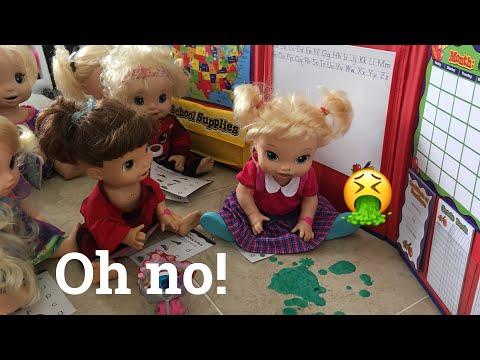 BABY ALIVE: Mariah gets sick at school!