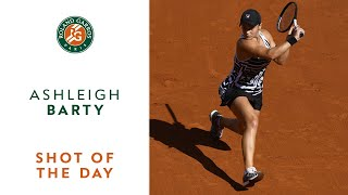 Shot of the Day #12 - Ashleigh Barty | Roland-Garros 2019