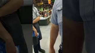 Быдло охраник в сильпо. ТРЦ Гуливер