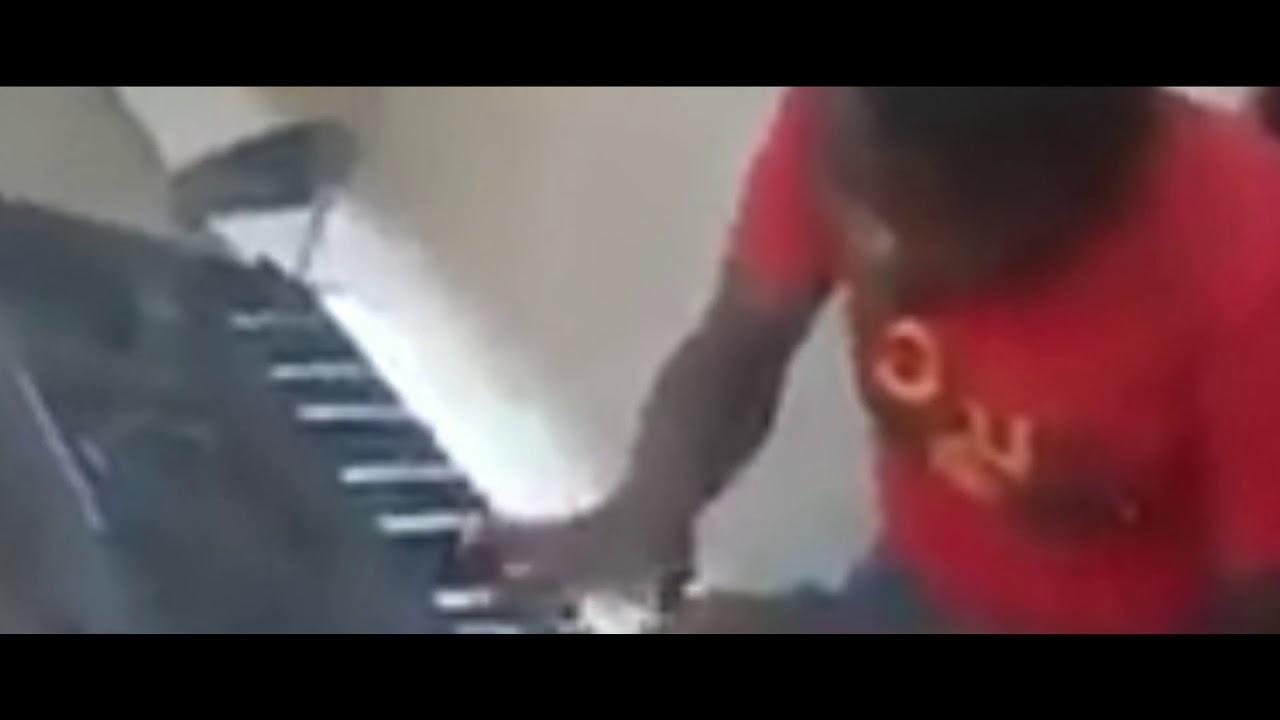 Download John Munodawafa rolling Macheso guitars on a keyboard