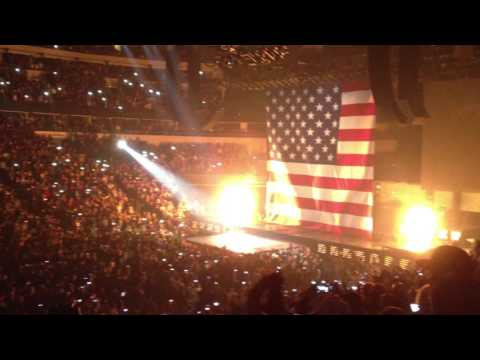 Kanye West & Jay-Z Ft Otis Redding - Otis (Live)