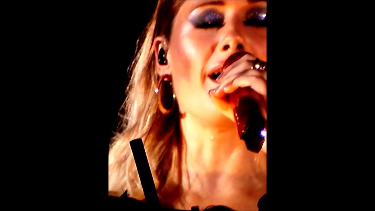 Helene Fischer Am 10102017 In Leipzig Youtube