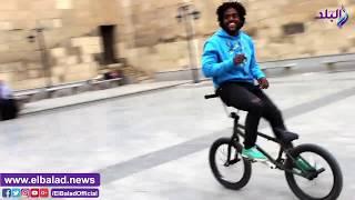 ألعاب وحركات خطيرة مع هواة الـ Skating في مصر.. فيديو
