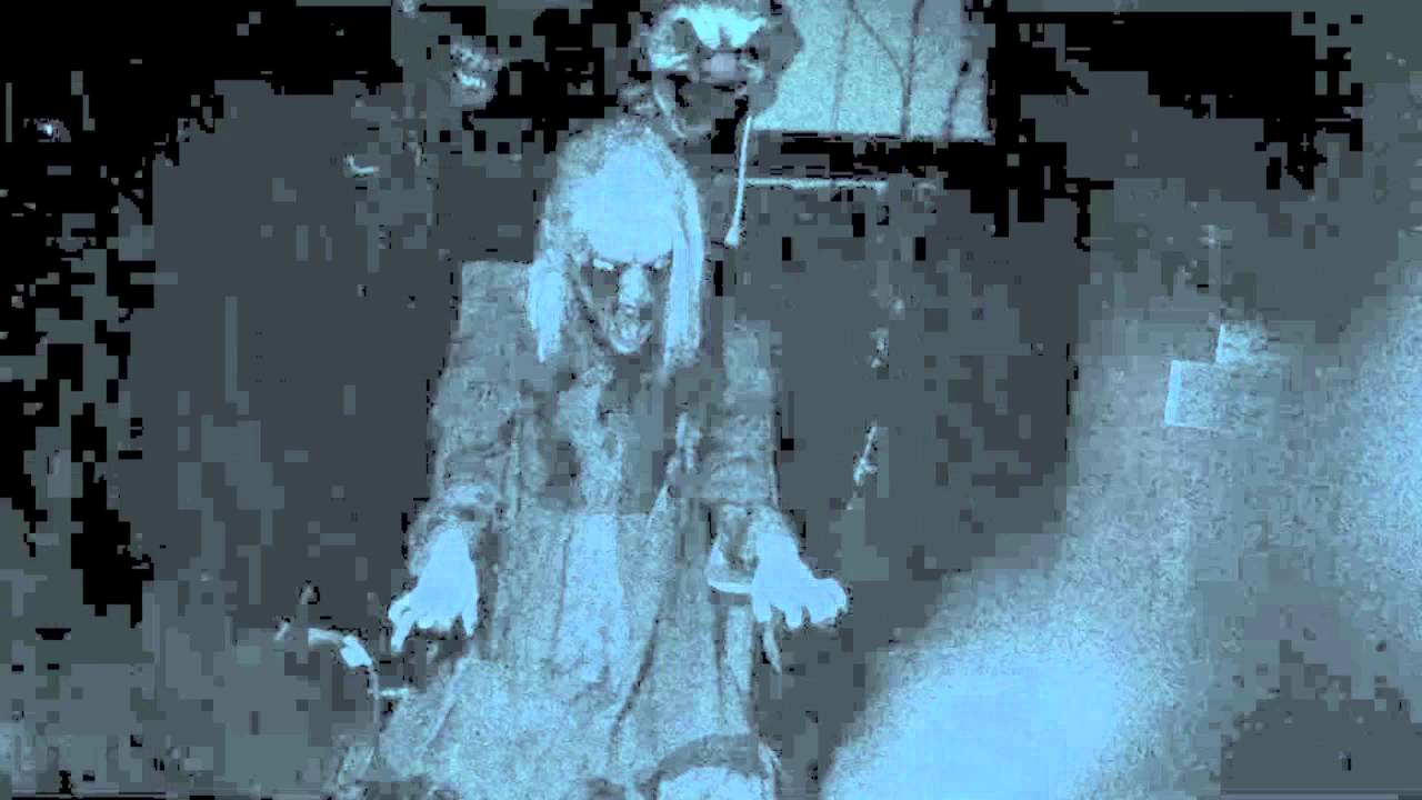 Sneak Peek Of Screaming Tunnels Haunted Playground Youtube