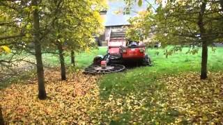 Вот это техника для уборки травы и листьев! Круто! Apple Harvest Molagnies mp4(Все о автомобилях. Автомобили всех марок. Все автомобили. Этот ролик находят по ключевым словам: авто прико..., 2014-06-29T12:29:57.000Z)