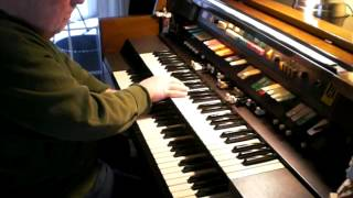 """Mike Reed plays """"Somewhere, over the Rainbow"""" on his Hammond Organ"""