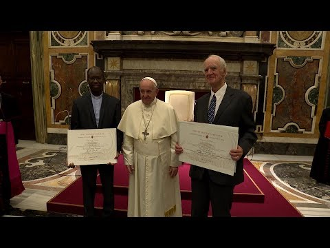 Pope Francis thanks Benedict XVI for his teaching and example during Ratzinger Prize