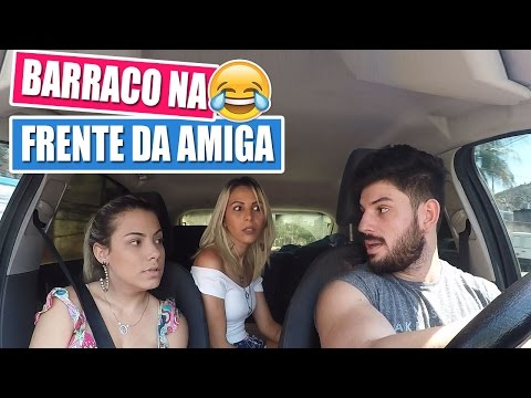 TROLAGEM - BARRACO NA FRENTE DA AMIGA   Kathy Castricini