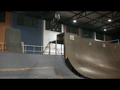 BMX - GT - Leandro Moreira - Park Session & Bike Check