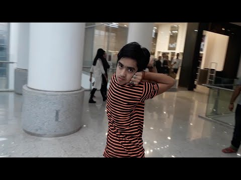 Pakistani Boy Turns Head Like Owl