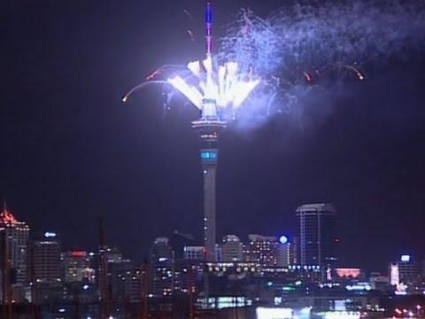 Raw: Auckland Celebrates New Year 2016