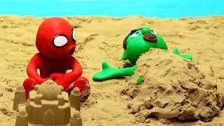 Cartoon playing in the sand 💕 Superhero Play Doh Stop motion for kids