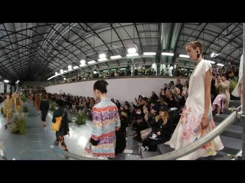 Paul Smith SS17 Collection London Fashion Week Finale 360 VR