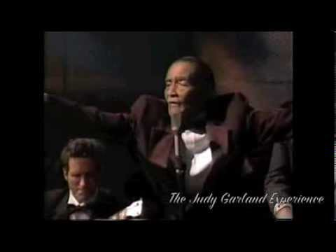 LITTLE JIMMY SCOTT sings HOLDING BACK THE YEARS live