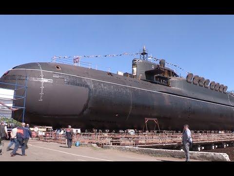 Крейсер 'Екатеринбург' вывели