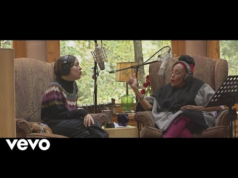 Tú Me Acostumbraste featuring Omara Portuondo En Manos de Los Macorinos