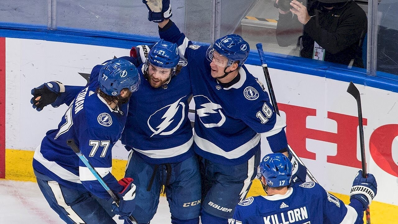 Lightning romp to 8-2 win over Islanders to open East finals