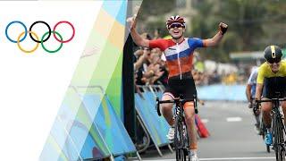 Video Van Der Breggen wins gold in Women's Road Race download MP3, 3GP, MP4, WEBM, AVI, FLV Agustus 2018