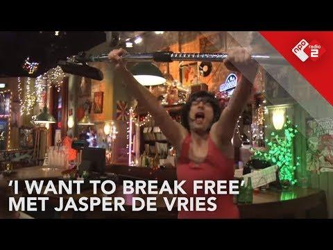 Jasper de Vries gaat los op 'I Want To Break Free' live @ Top 2000 Café | NPO Radio 2