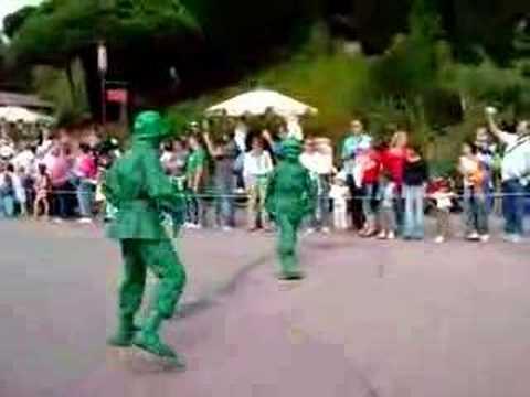 Les soldats verts de toy story sur la doud youtube - Le cochon de toy story ...
