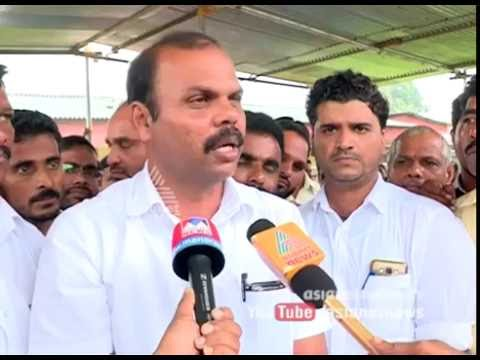 Natives protest against the pathetic condition of road at Badiyadukka Kasargode