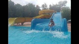 Aquapark kaydıraklar yarışmalar, eğlenceli çocuk videosu