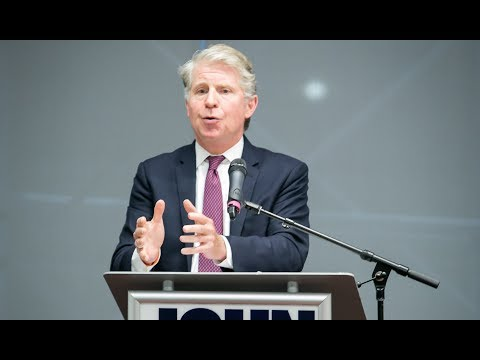 Cyrus Vance Jr Talks The Role of The Prosecutor (3 minutes)