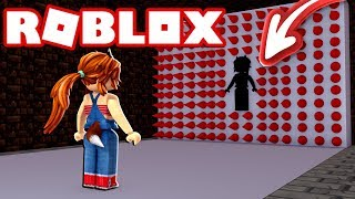 NE PAS PLANTER AVEC LE TUEUR WALL IN ROBLOX (HOLE IN THE WALL) 😱