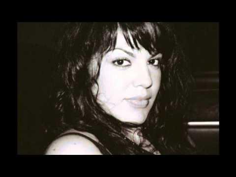 Sara Ramirez singing The story (EP version)