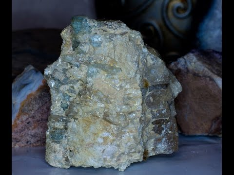 Как отличить минералы (топаз и берилл, аквамарин)