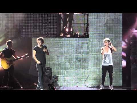 One Direction Singing More Than This Live - TMH TOUR TORONTO (July 9th)