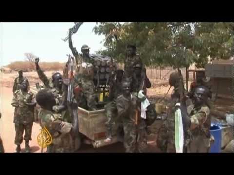 Sudan army advances on disputed oil town